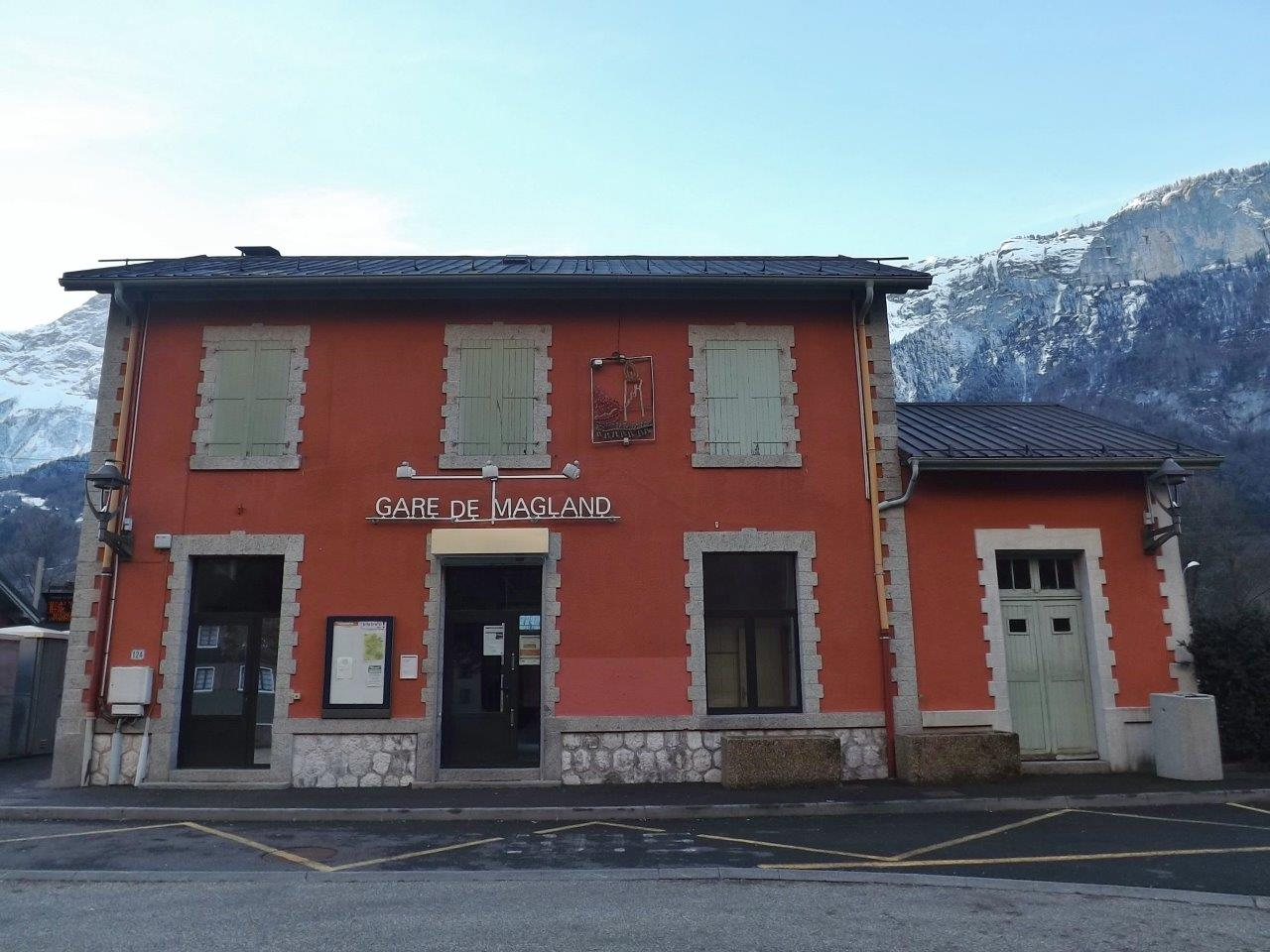 gare-de-magland-train-station