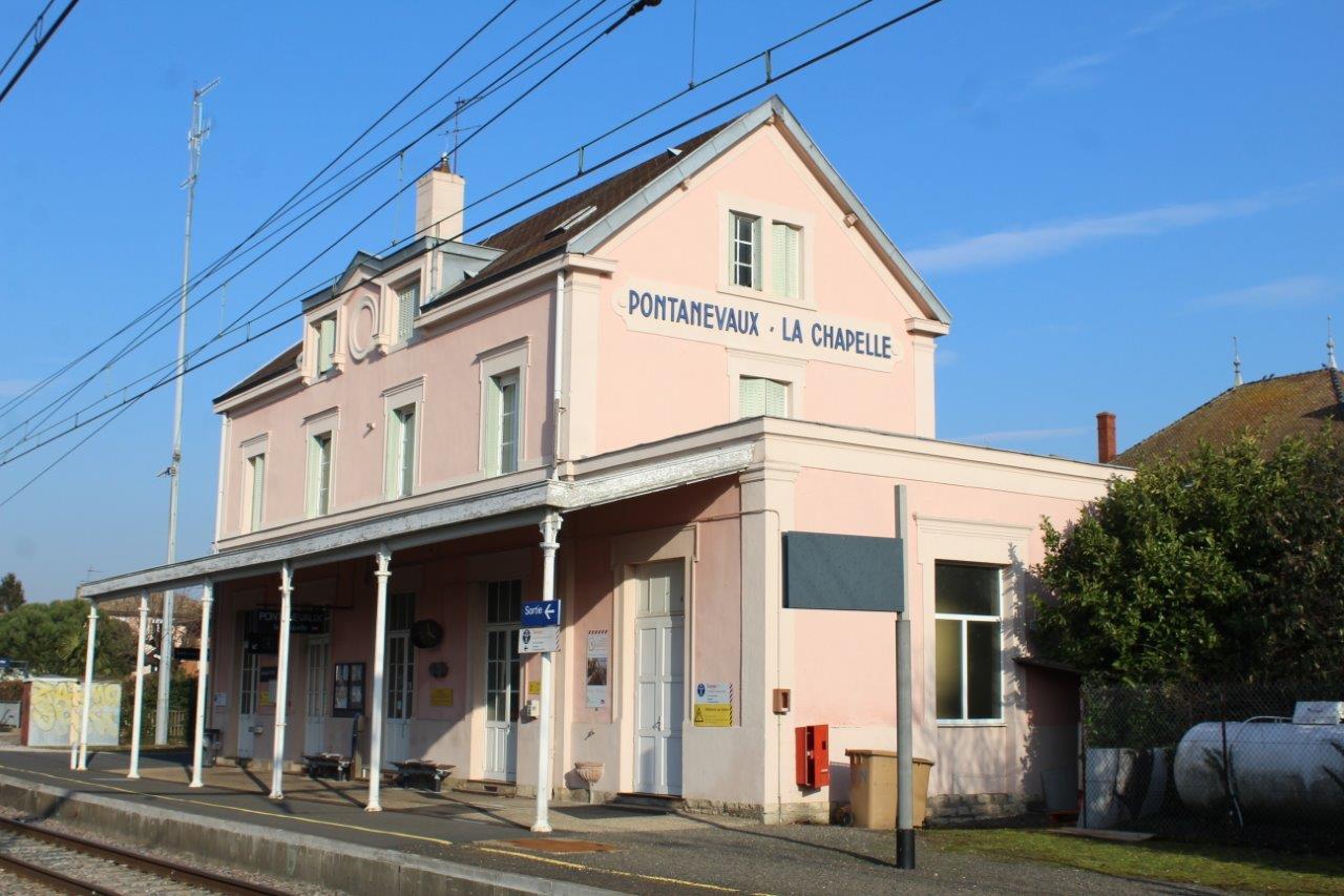 gare-de-pontanevaux-train-station