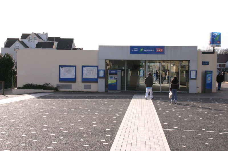 gare-du-mee-train-station