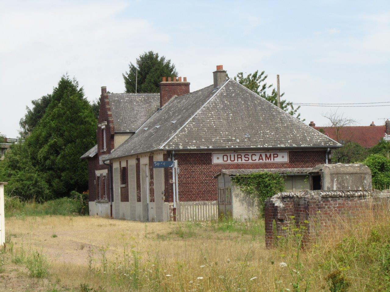 gare-d-ourscamps-train-station