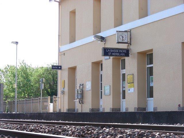 gare-de-basse-indre-saint-herblain-train-station