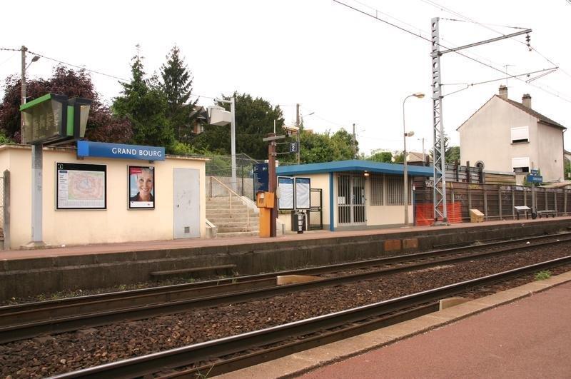 gare-de-grand-bourg-train-station