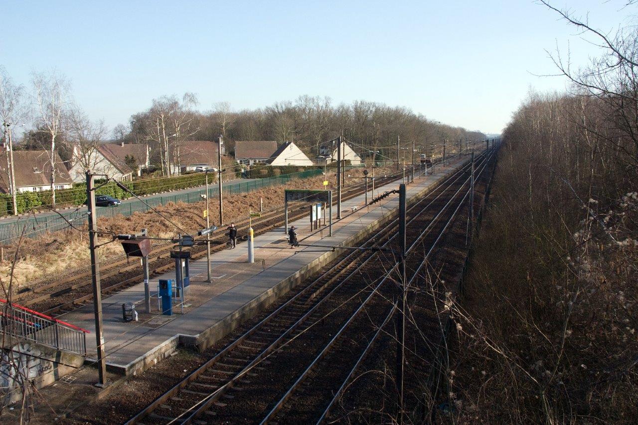 gare-de-la-borne-blanche-train-station