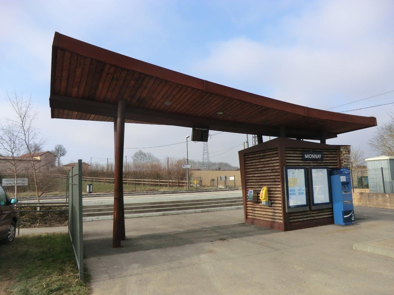 gare-de-mionnay-train-station