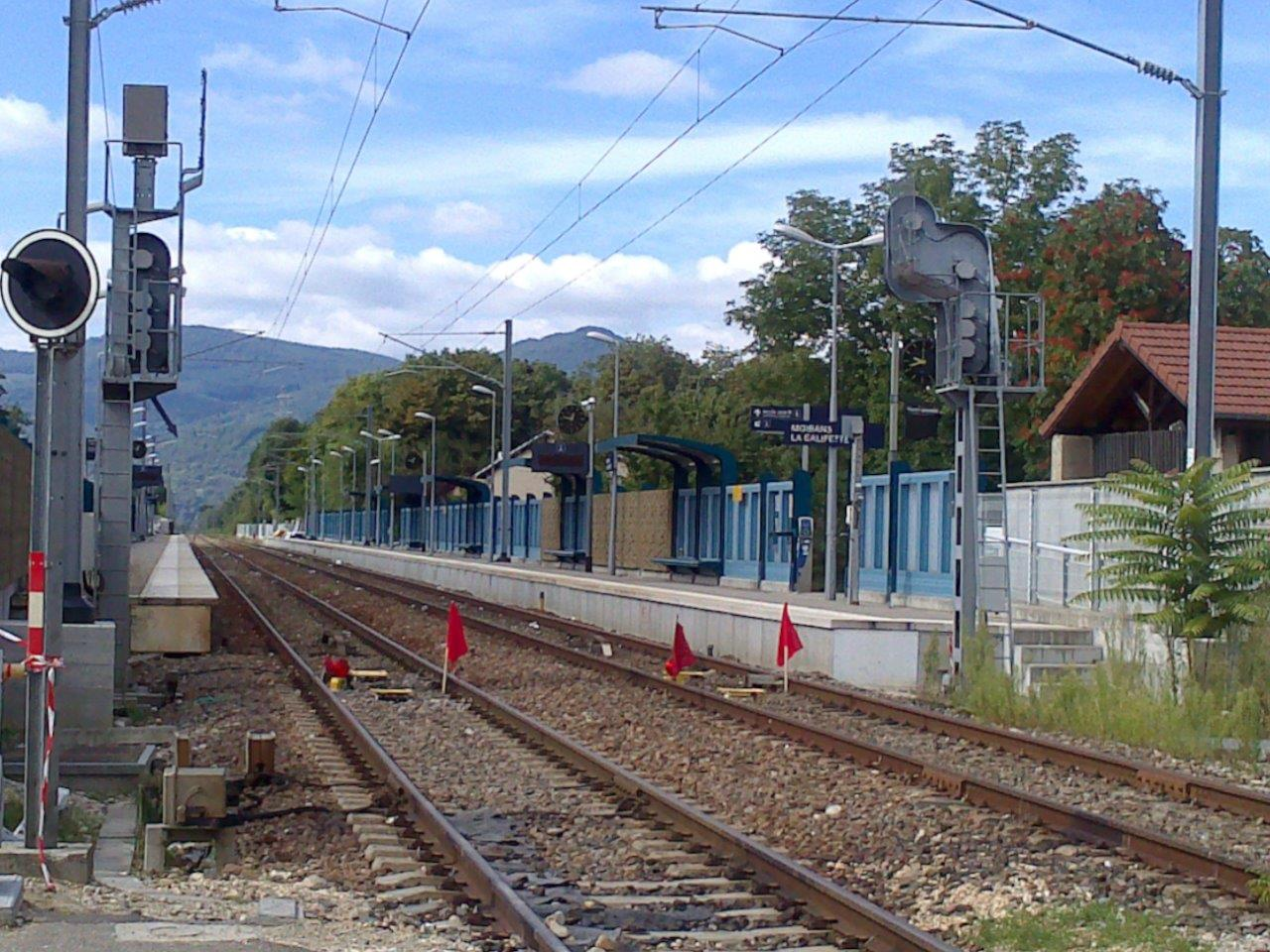 gare-de-moirans-galifette-train-station