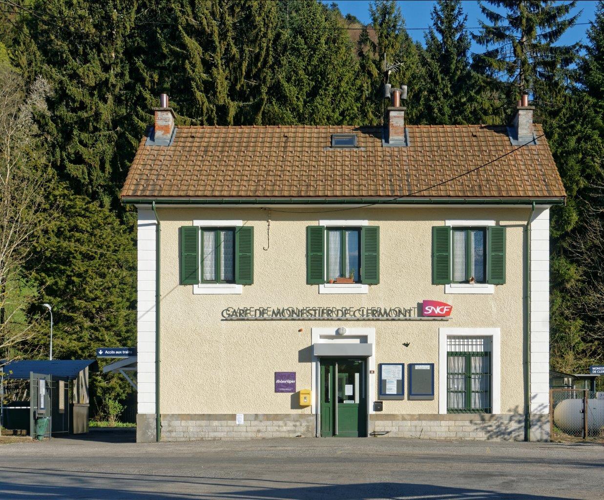 gare-de-monestier-de-clermont-train-station