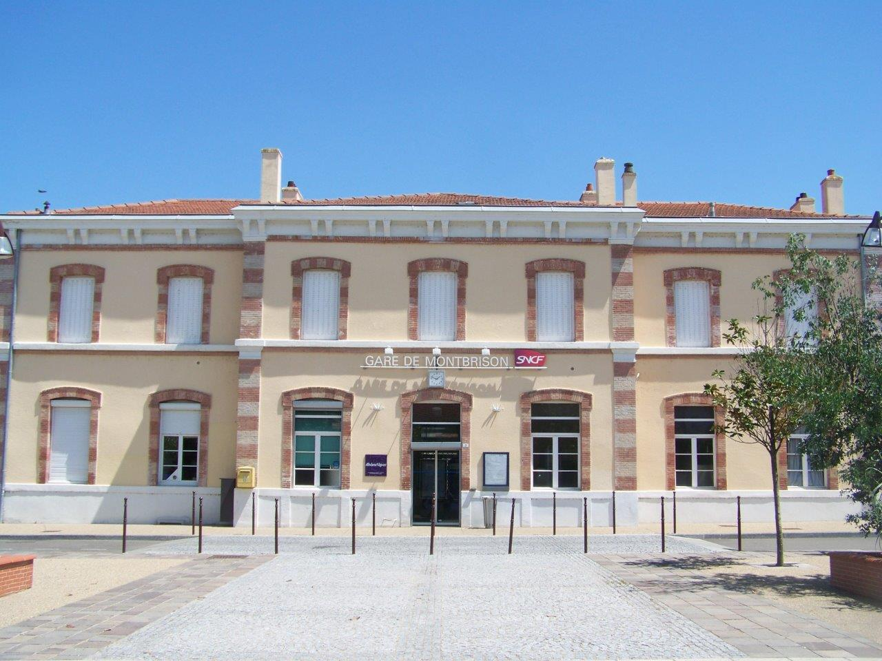 gare-de-montbrison-train-station