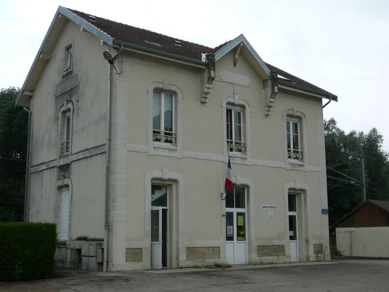 gare-de-montferrand-thoraise-train-station