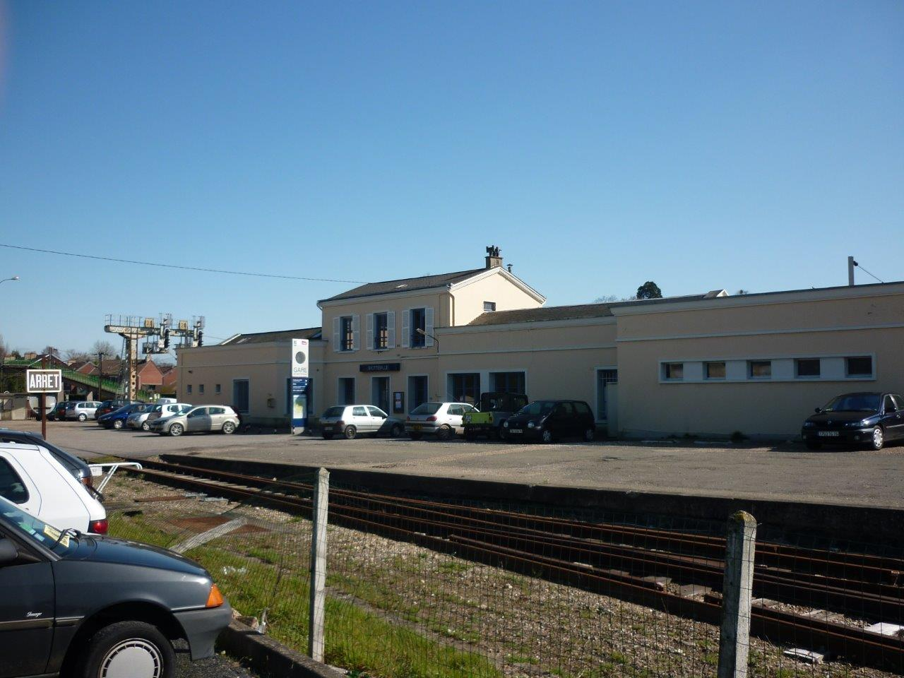 gare-de-motteville-train-station