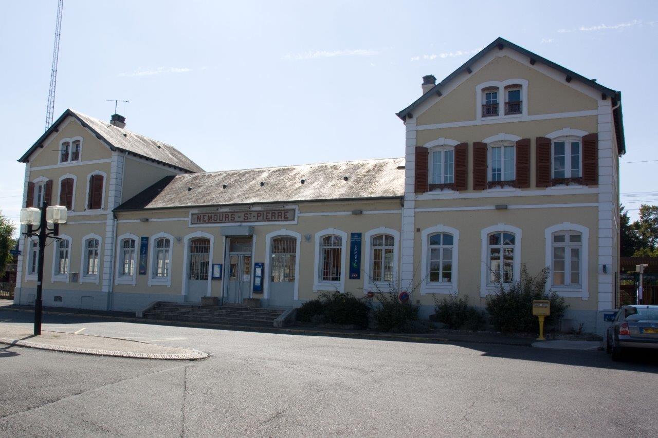 gare-de-nemours-saint-pierre-train-station