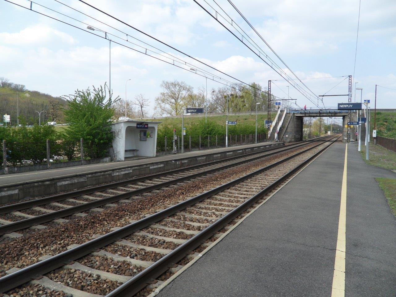 gare-de-nerpuy-train-station