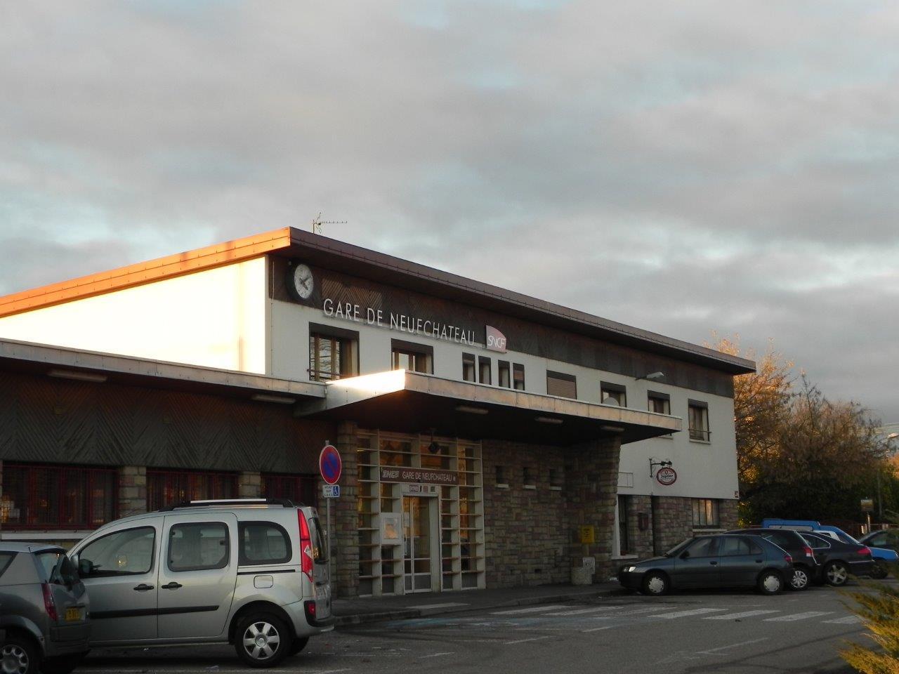 gare-de-neufchateau-train-station