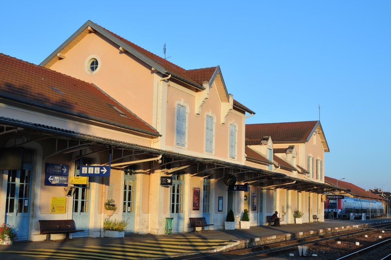 gare-de-paray-le-monial-train-station