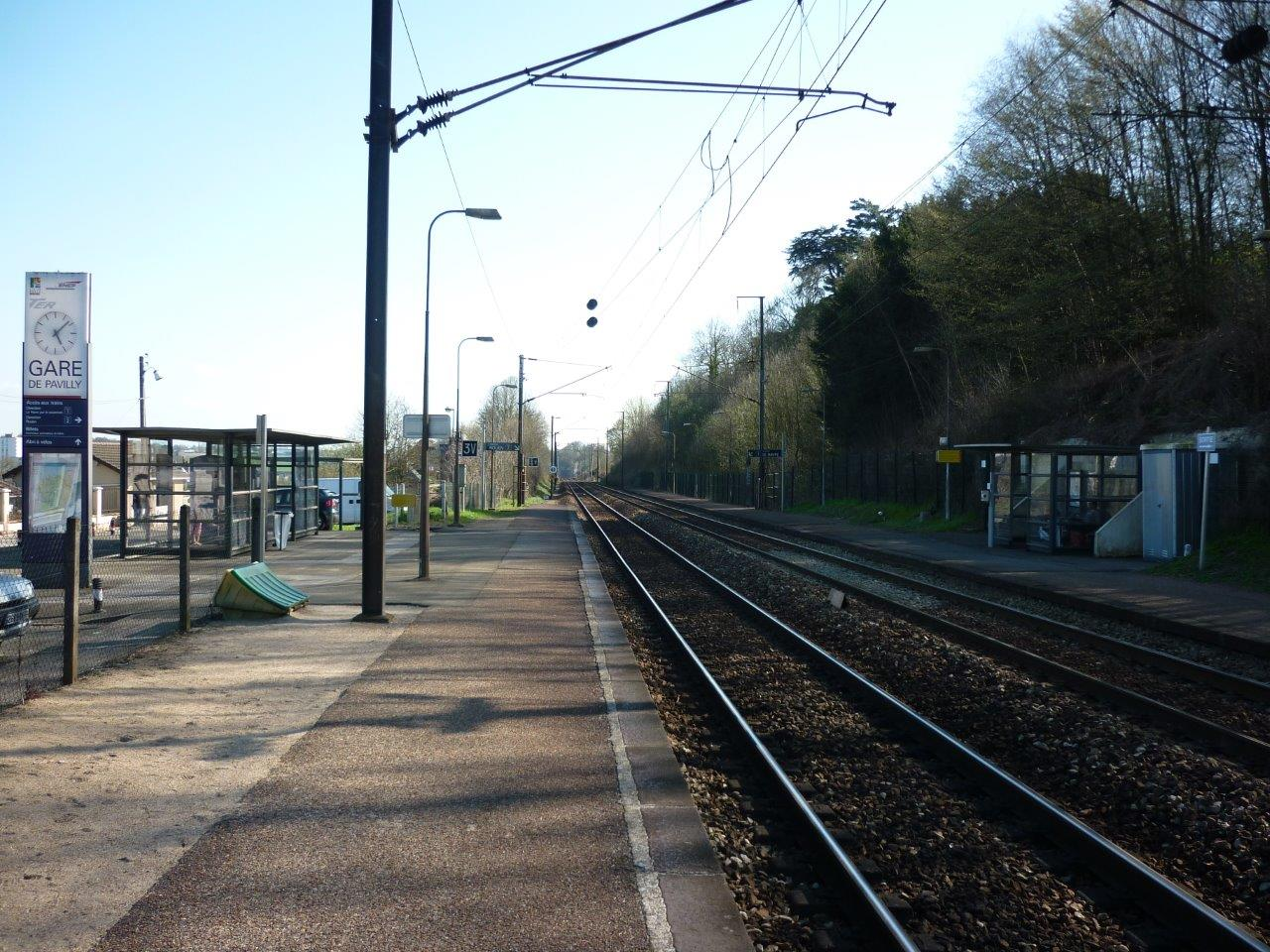 gare-de-pavilly-station-train-station