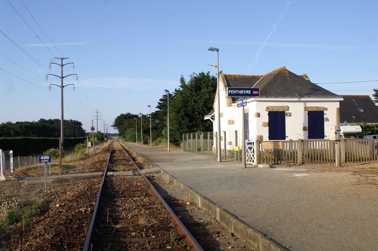 gare-de-penthievre-train-station