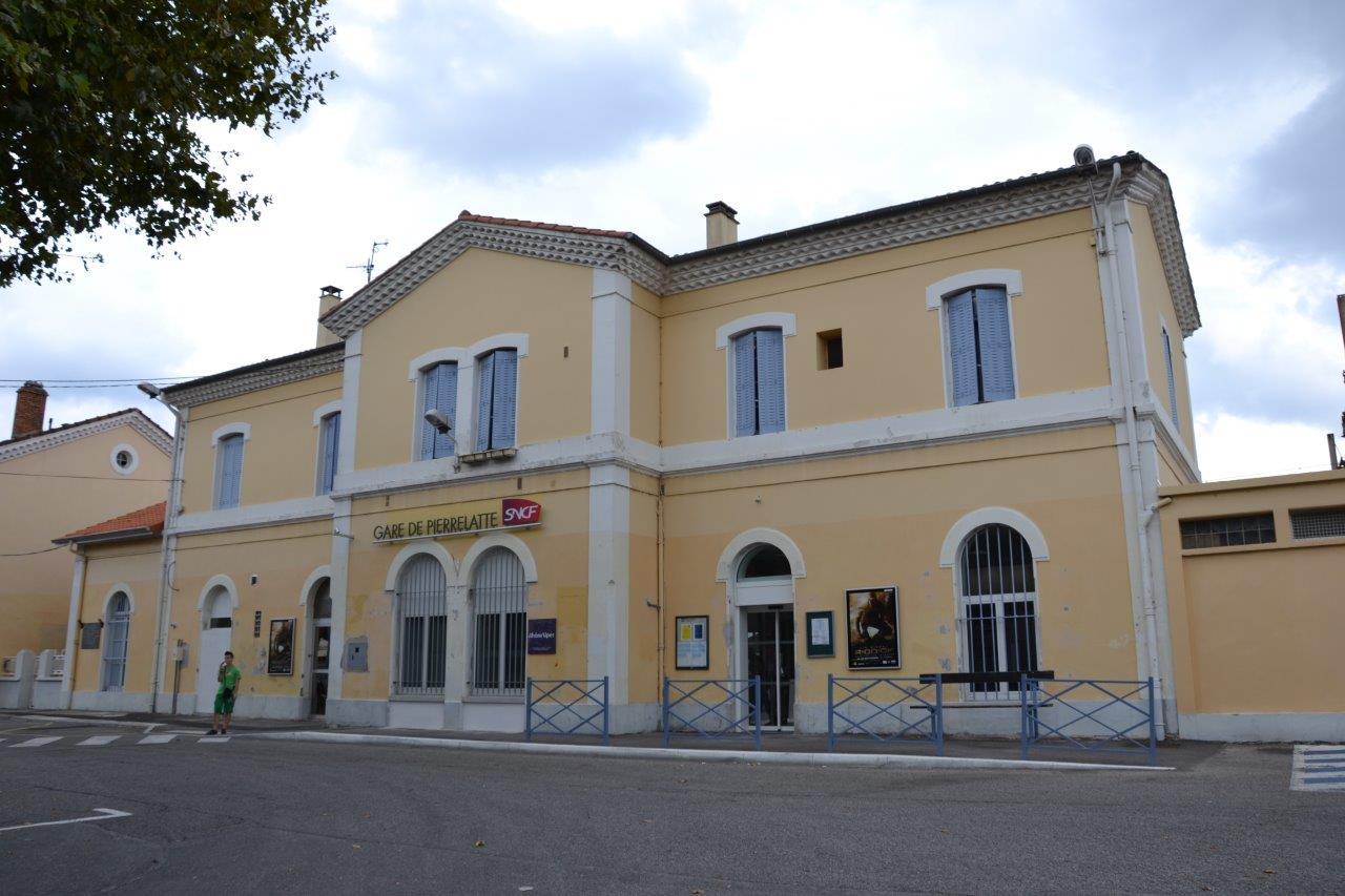 gare-de-pierrelatte-train-station