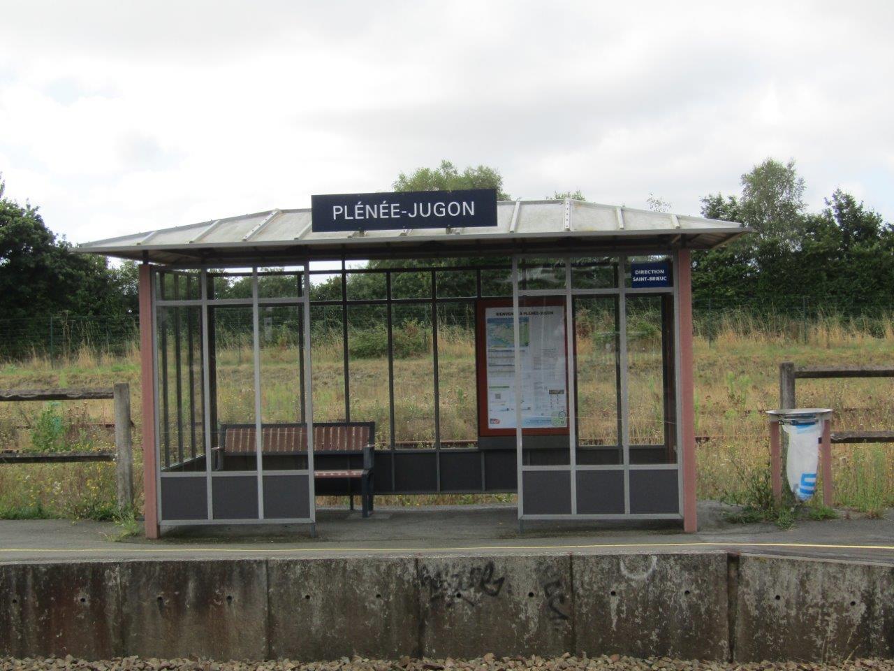 gare-de-plenee-jugon-train-station