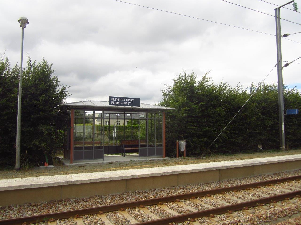 gare-de-pleyber-christ-train-station