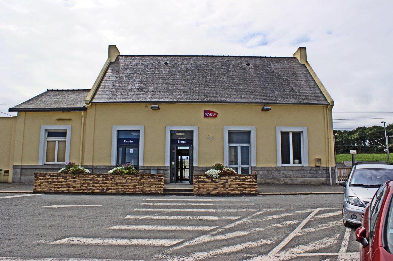 gare-de-plouaret-tregor-train-station