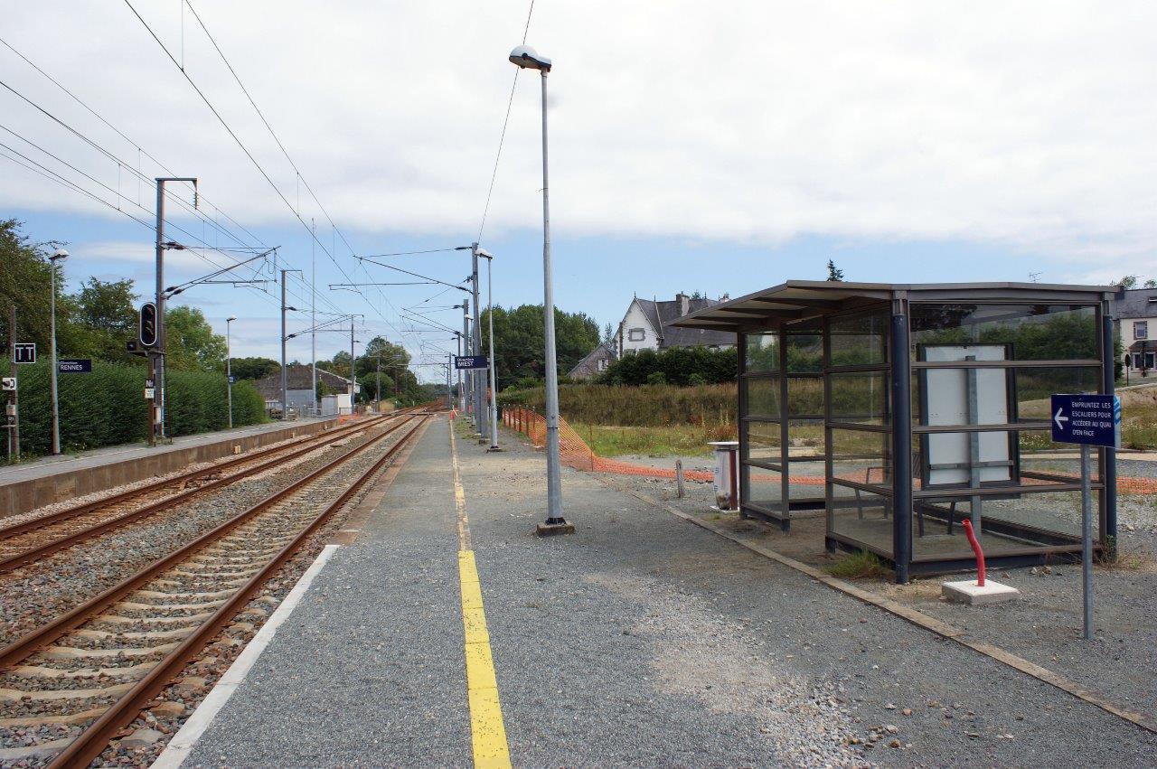 gare-de-plounerin-train-station