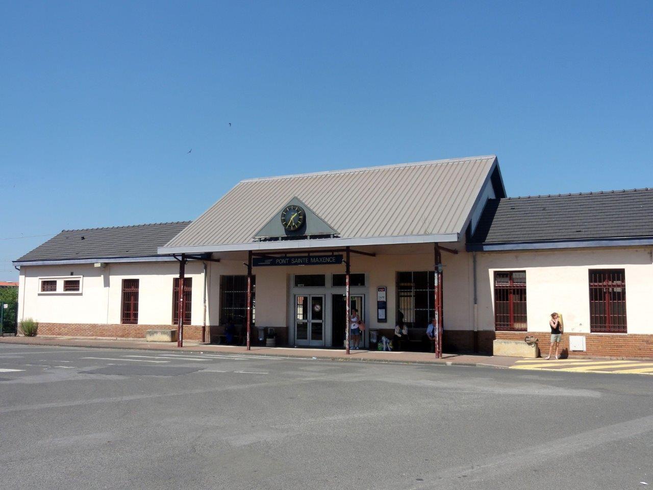 gare-de-pont-sainte-maxence-train-station