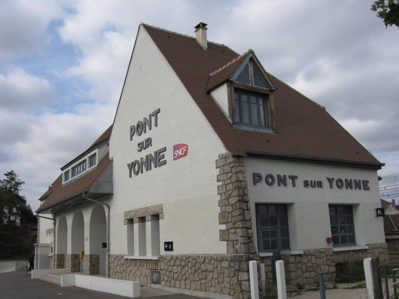 gare-de-pont-sur-yonne-train-station