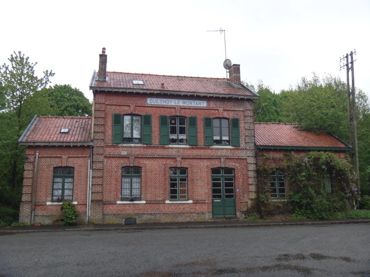 gare-de-quesnoy-le-montant-train-station