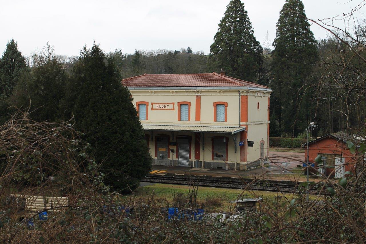gare-de-regny-train-station