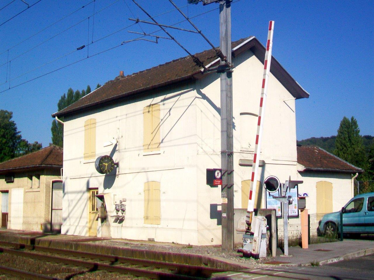 gare-de-rieux-angicourt-train-station