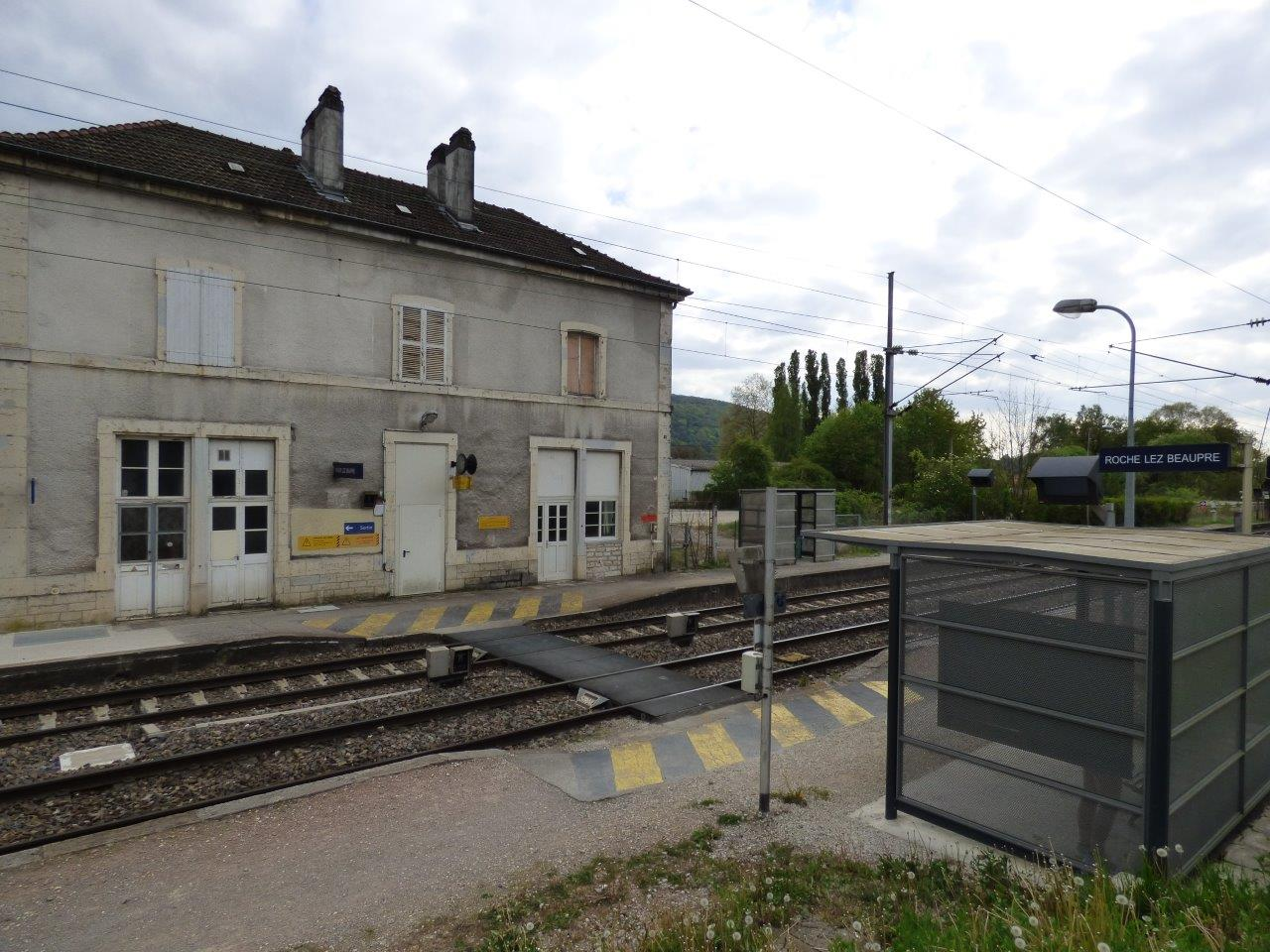 gare-de-roche-lez-beaupre-train-station