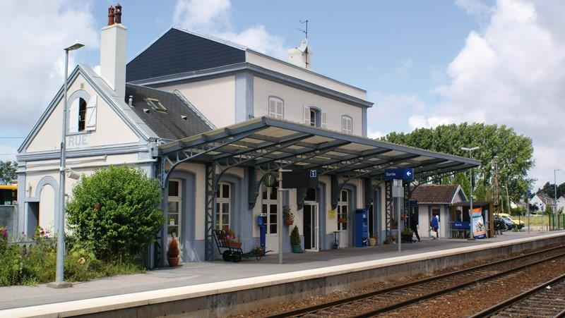 gare-de-rue-train-station