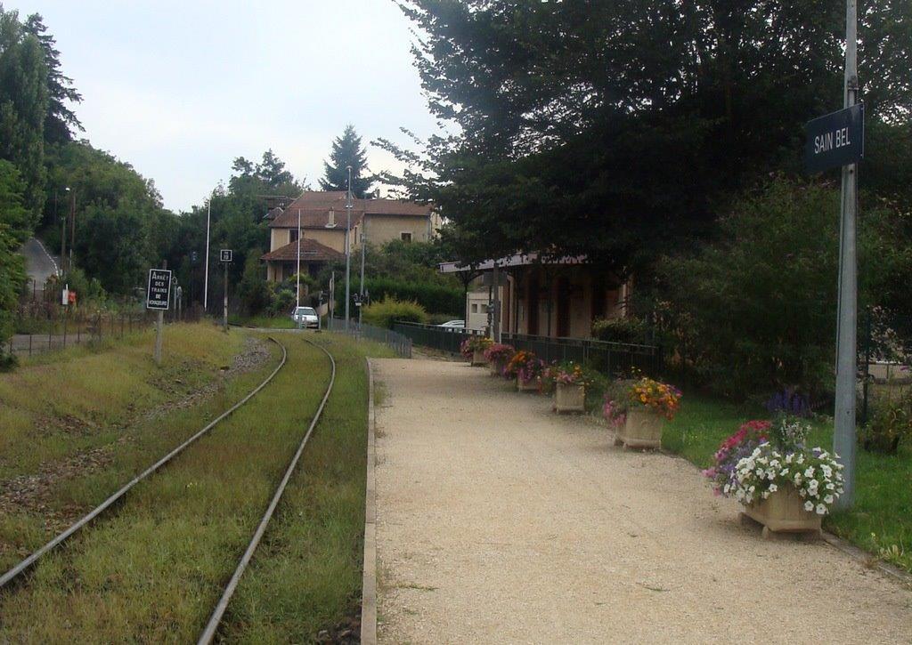 gare-de-sain-bel-train-station