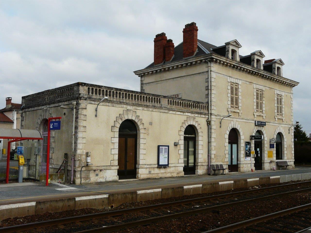 gare-de-saint-astier-train-station