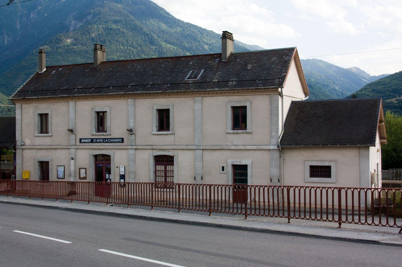 gare-de-saint-avre-la-chambre-train-station