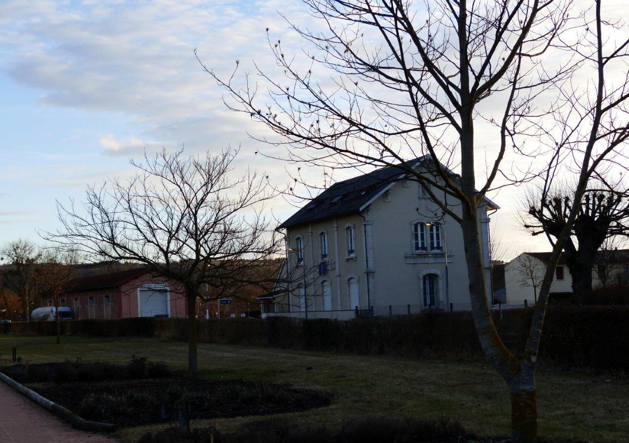 gare-de-saint-bonnet-de-rochefort-train-station