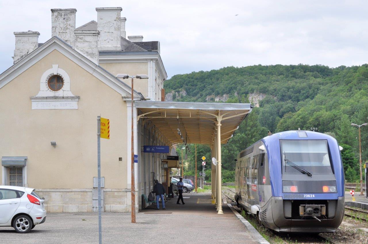 gare-de-saint-denis-pres-martel-train-station