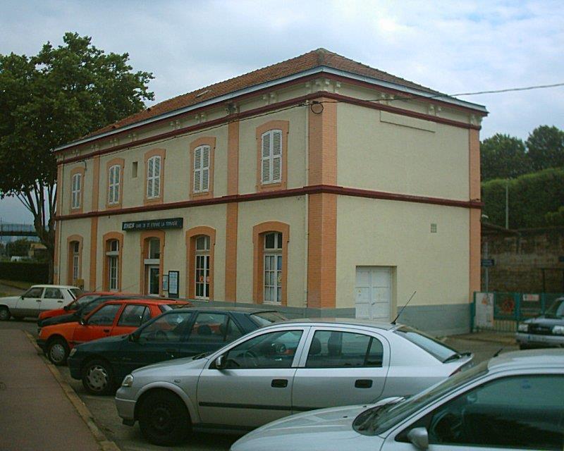 gare-de-saint-etienne-la-terrasse-train-station