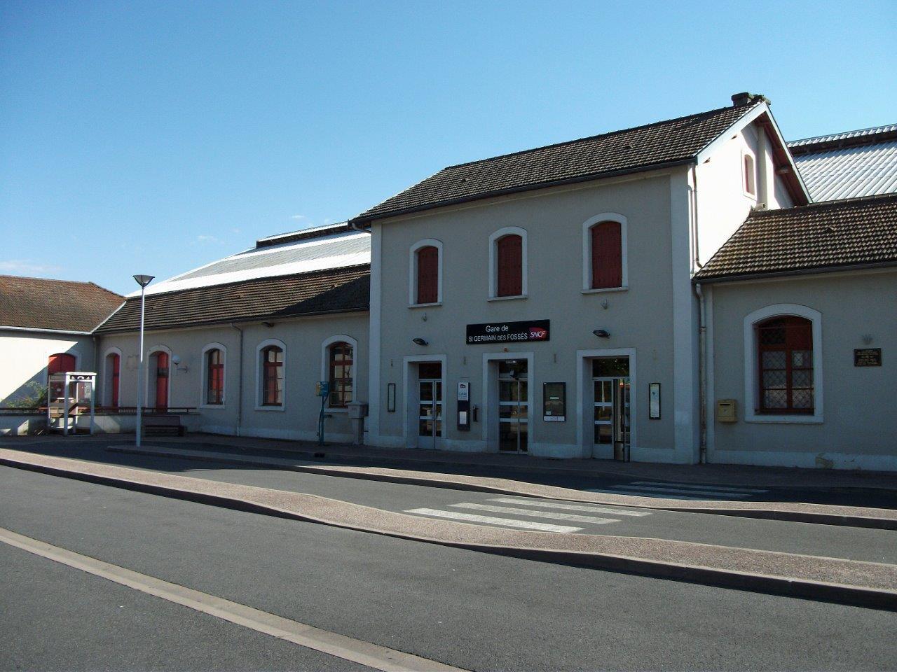 gare-de-saint-germain-des-fosses-train-station