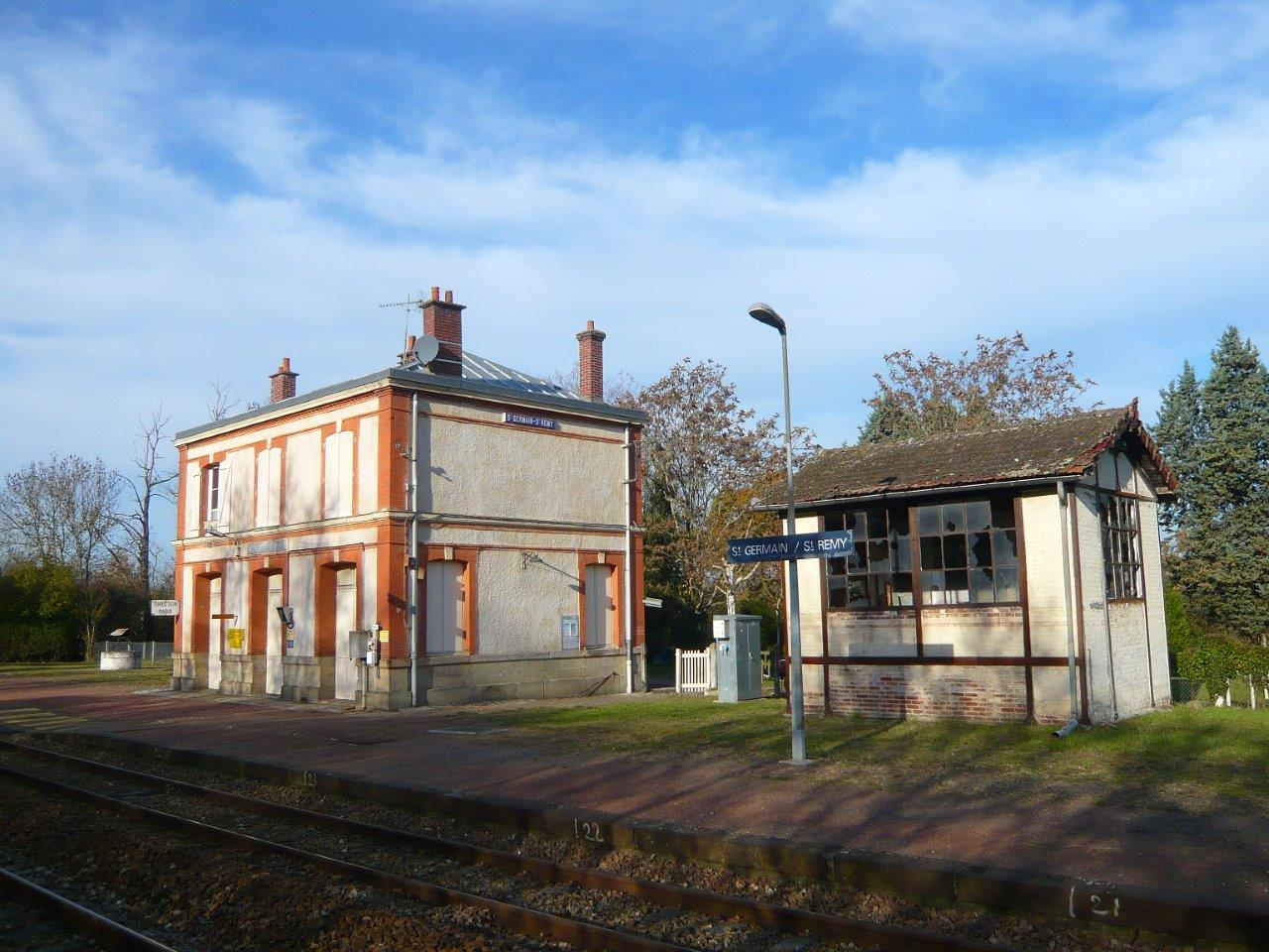 gare-de-saint-germain-saint-remy-train-station