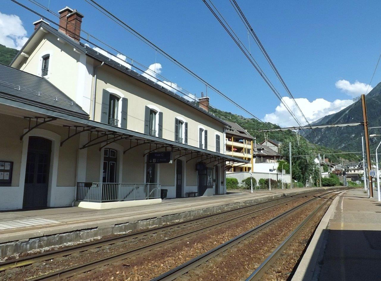 gare-de-saint-michel-valloire-train-station