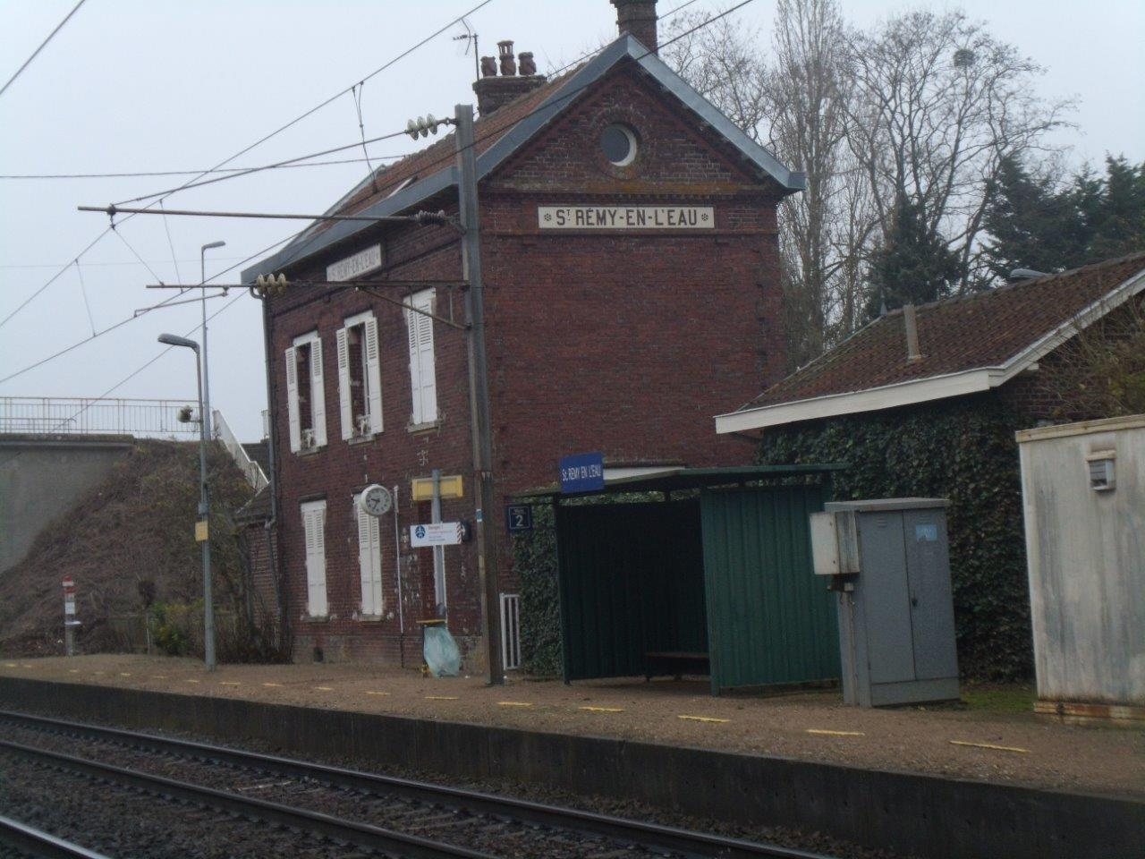 gare-de-saint-remy-en-l-eau-train-station