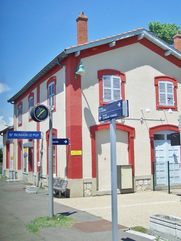 gare-de-saint-romain-le-puy-train-station