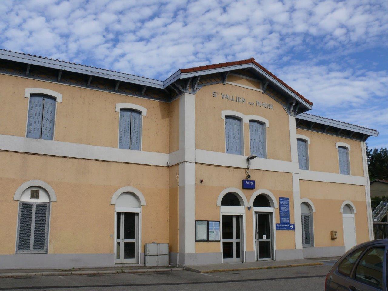 gare-de-saint-vallier-sur-rhone-train-station