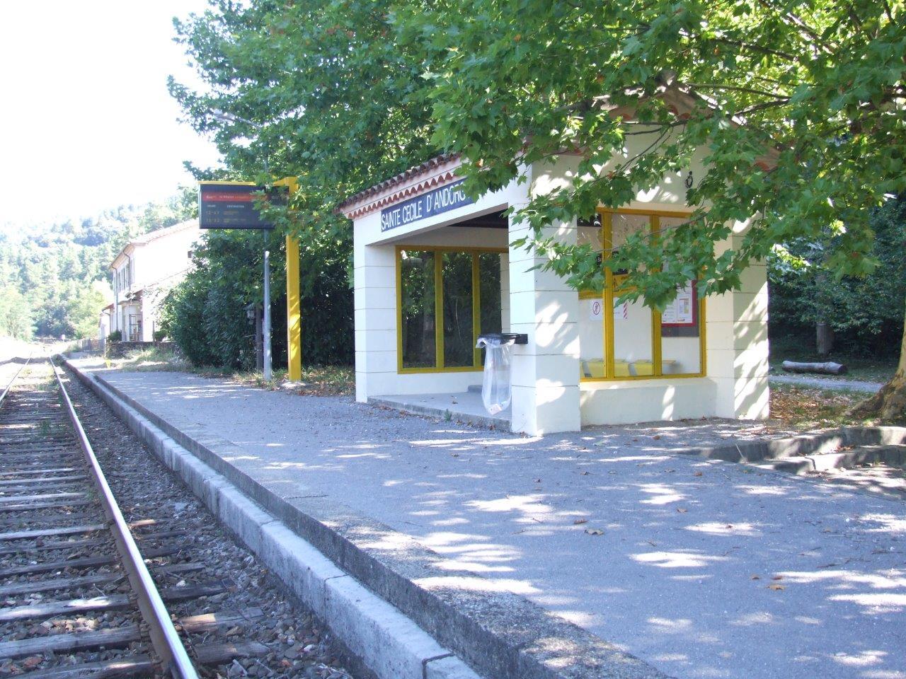 gare-de-sainte-cecile-d-andorge-train-station