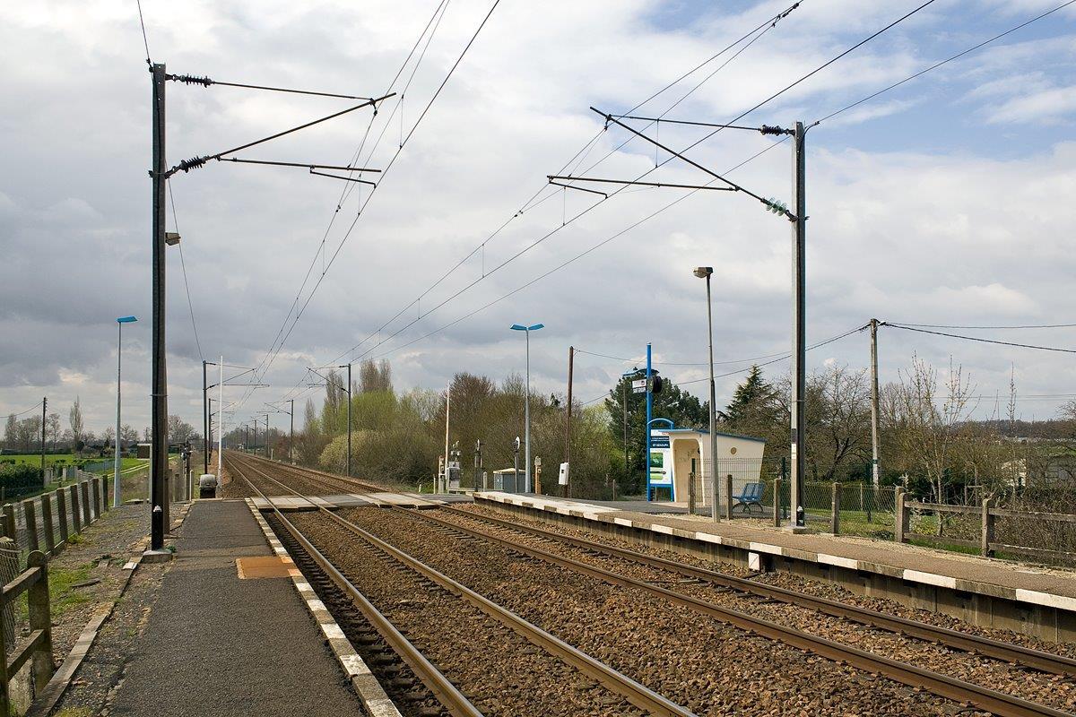 gare-de-savonnieres-train-station