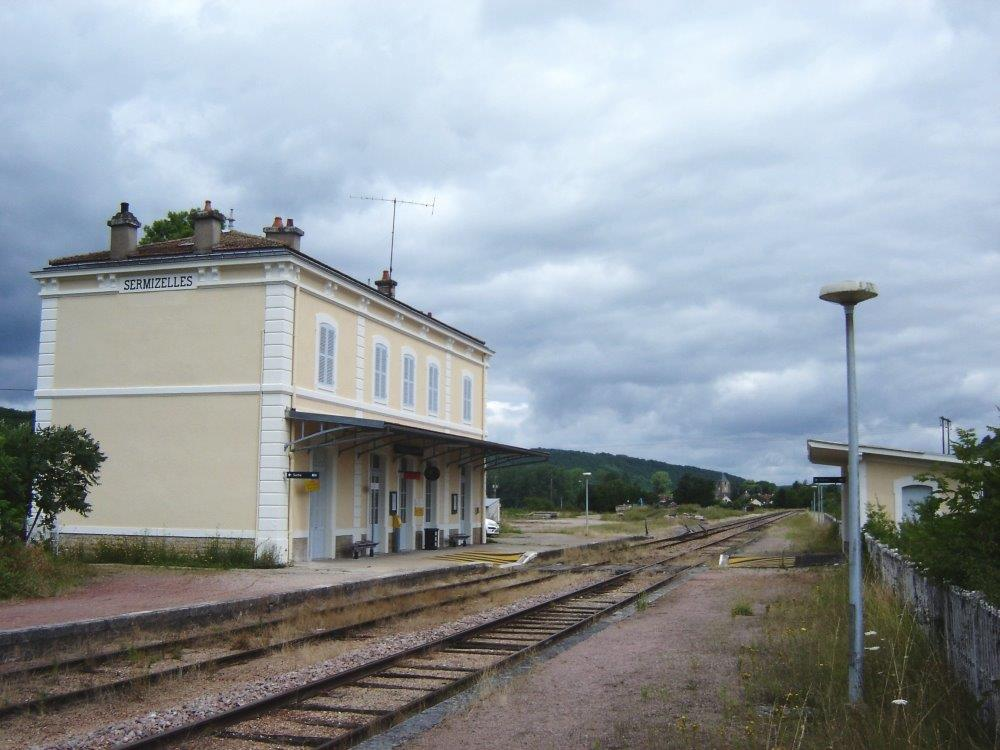 gare-de-sermizelles-vezelay-train-station