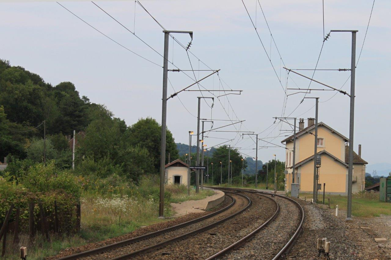 gare-de-virieu-sur-bourbre-train-station