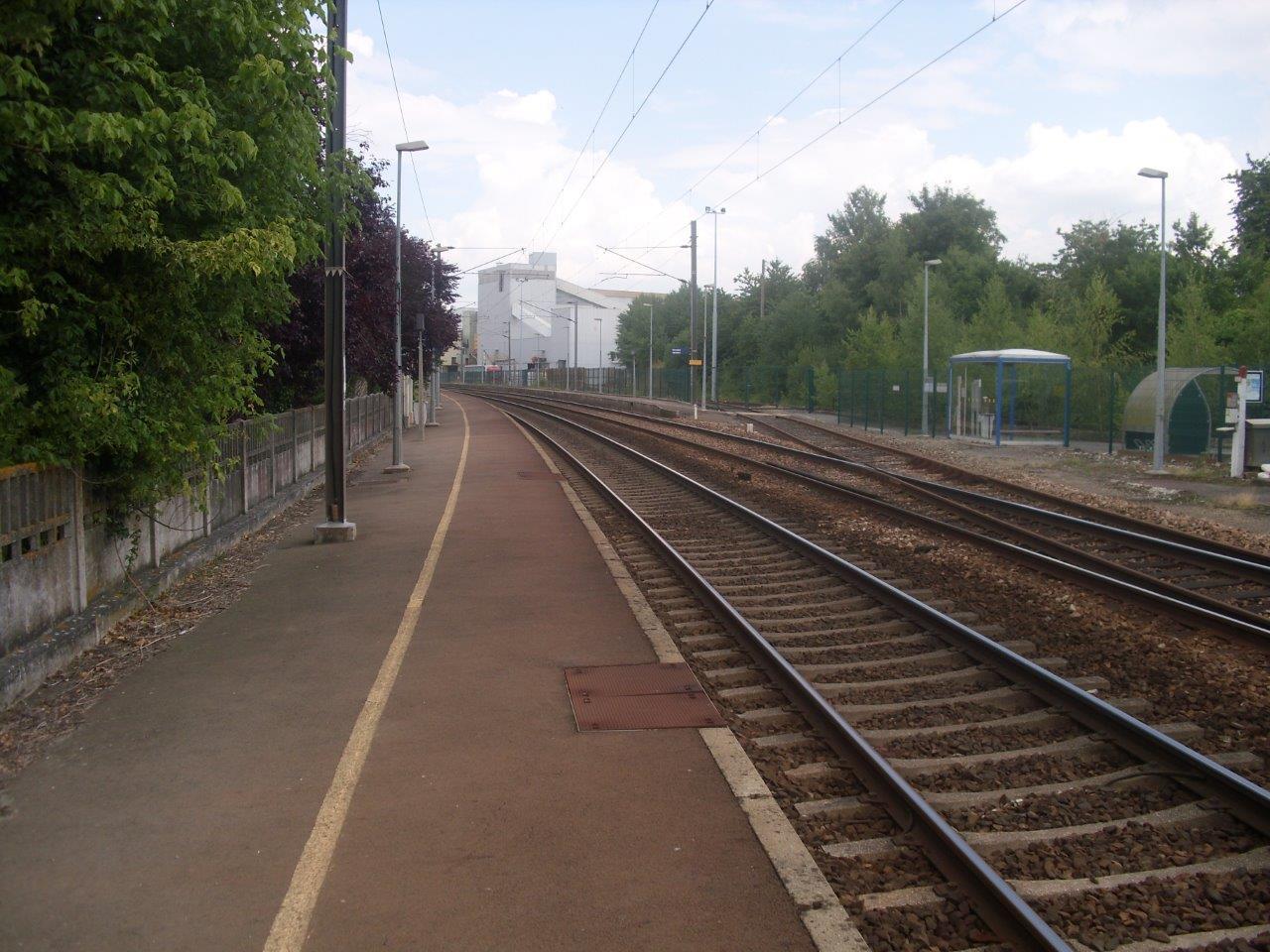 gare-des-lacs-train-station