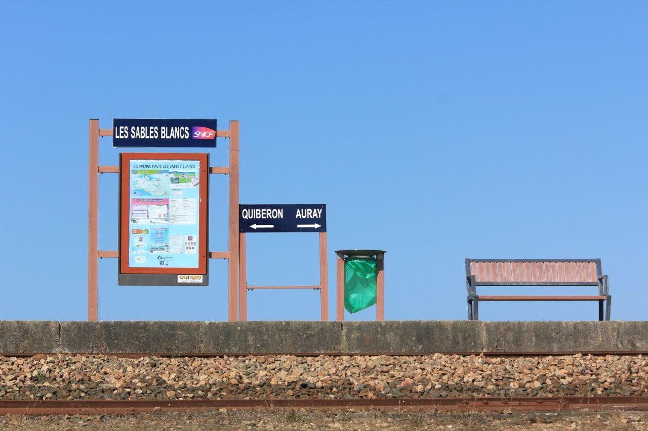 halte-des-sables-blancs-train-station