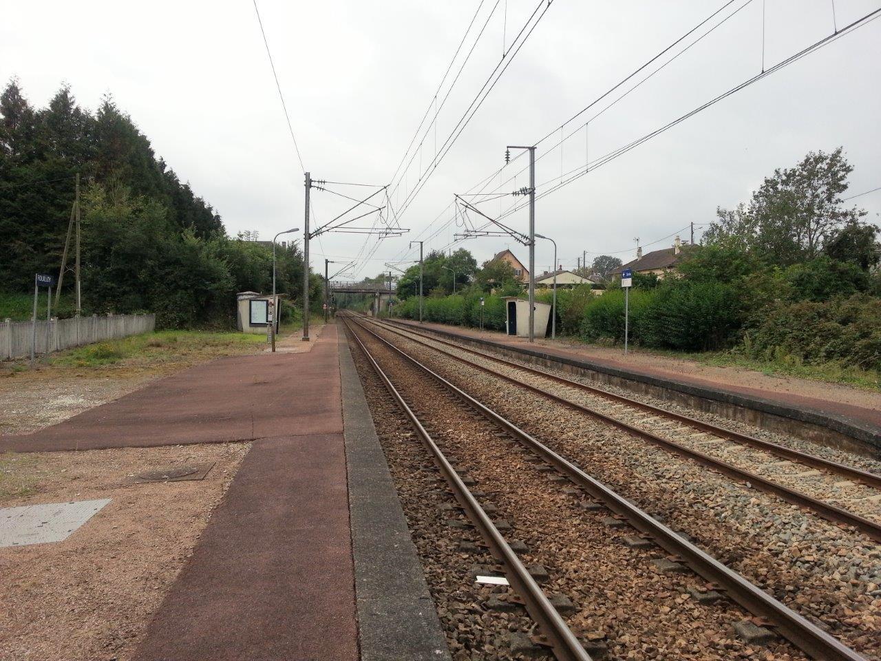 gare-de-fouilloy-train-station